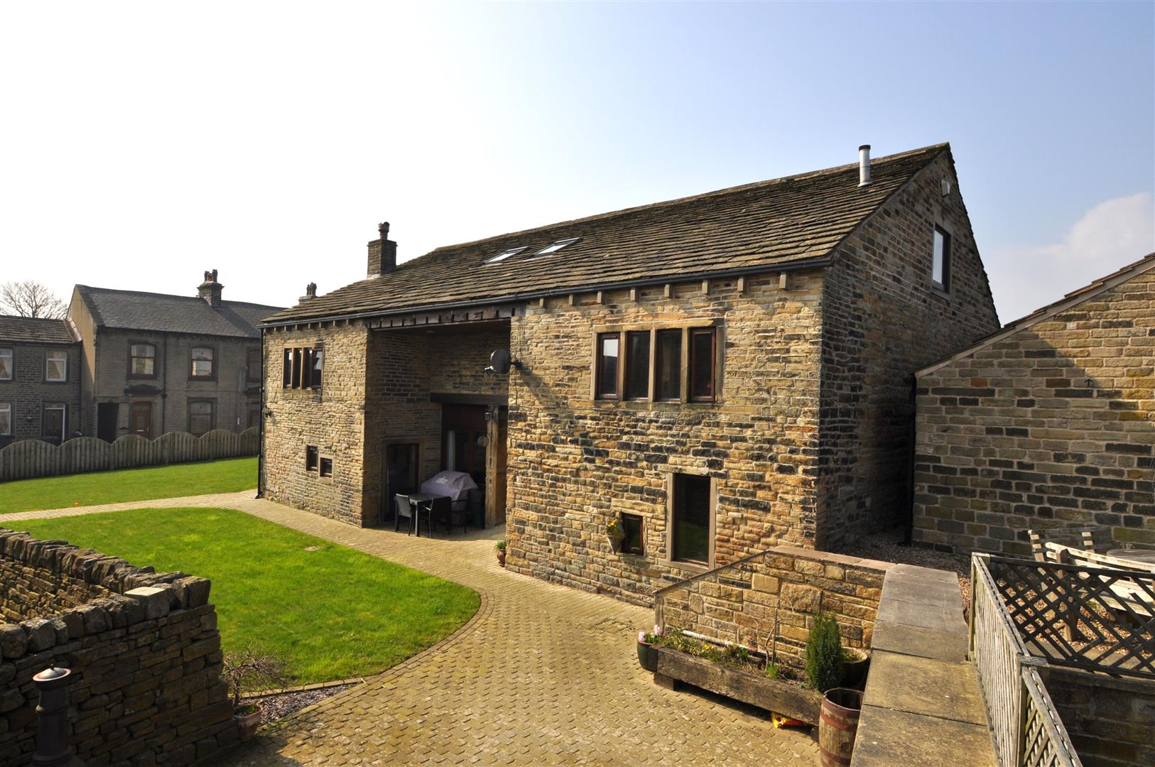 Gray Hall Barn Stainland